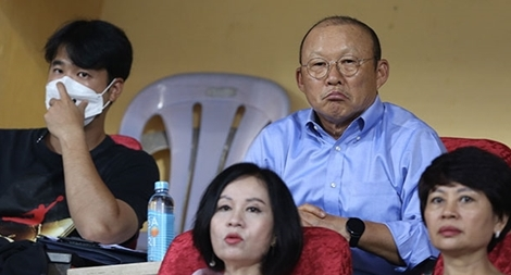 Đội tuyển Việt Nam đấu U22 và góc quan sát của thầy Park