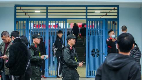 CLIP: Quang Hải không đá chính, vắng cổ động viên trận đội tuyển Việt Nam - U22