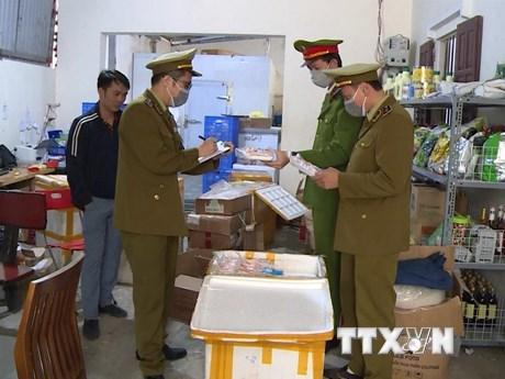 Thanh Hóa: Bắt giữ trên 1,5 tấn thực phẩm đã bốc mùi hôi thối
