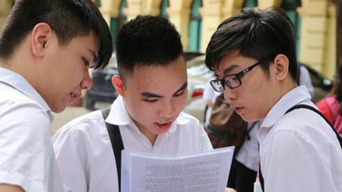 Nghi lộ đề, gần 3.000 học sinh lớp 9 bất ngờ dừng kiểm tra học kì