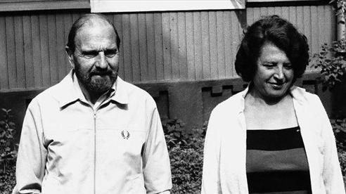 Siêu điệp viên hai mang được mệnh danh là 'người giăng lưới' George Blake qua đời ở tuổi 98