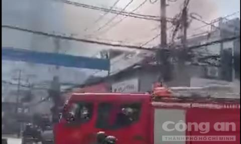 Cháy cửa hàng bán đồ thờ cúng ở Sài Gòn, một người tử vong