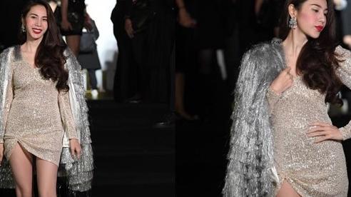 Thủy Tiên gợi cảm hơn bao giờ hết với váy sequin siêu ngắn, khoe cặp giò 'cực phẩm'