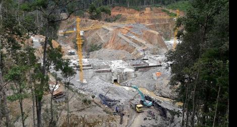 Thi công 'Dự án thủy điện xanh' làm khổ người dân