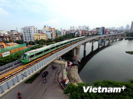 Hà Nội khống chế số lượng xe taxi, hợp đồng, ưu tiên vận tải công cộng