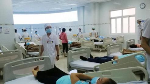 Nhiều công nhân nhập viện nghi do ngộ độc thực phẩm