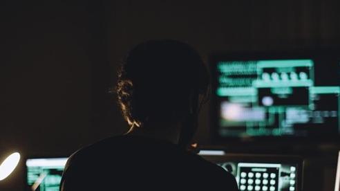 Cảnh báo mã độc nguy hiểm núp bóng email quà tặng cuối năm: Tinh vi đến nỗi ai cũng có thể bị lừa