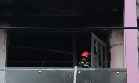 Cháy cửa hàng giày da ở khu buôn bán sầm uất nhất Bình Dương