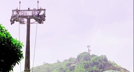 Áp dụng biện pháp khẩn cấp tạm thời đảm bảo việc kéo cáp treo Núi Sam
