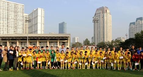 LĐBĐ Việt Nam gặp mặt hai đội dự tuyển U13 và U15 nữ quốc gia