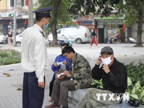 Hà Nội kiểm soát chặt người nhập cảnh và khu vực tập trung đông người