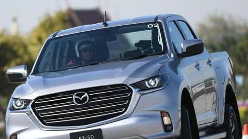 Mazda BT-50 đời mới chuẩn bị nhập về Việt Nam, 'tuyên chiến' với Ford Ranger