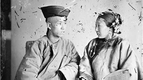 Đàn ông Trung Quốc cổ đại vì nghèo khổ nên không thể lấy vợ, họ phải làm sao để có người nối dõi tông đường?