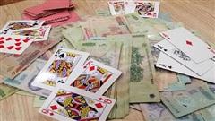 Bản tin cảnh sát: Phó Chủ tịch huyện đánh bạc tại phòng làm việc cùng 2 chủ doanh nghiệp