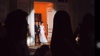 Xúc động khoảnh khắc cô dâu của Công Phượng khoác tay cha bước vào lễ đường