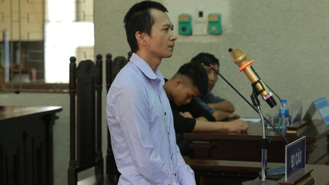 Xử phúc thẩm vụ nữ sinh giao gà: Vương Văn Hùng kêu oan, khai bị đánh đập ép cung 7 ngày 7 đêm