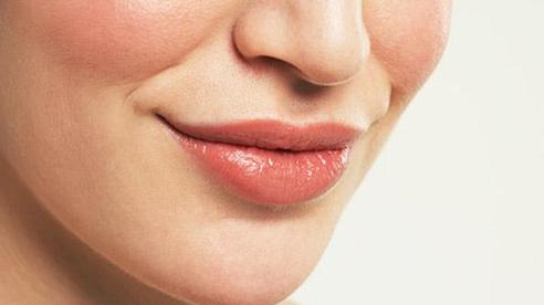 """Phụ nữ sở hữu 1 trong 4 tướng miệng này may mắn """"theo gót"""" cả đời"""