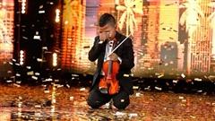 Cậu bé bị ung thư chơi violon lay động hàng triệu khán giả