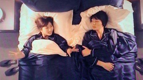 Show Nhật Bản để sao nam ngủ chung giường với cô gái lạ lần đầu gặp
