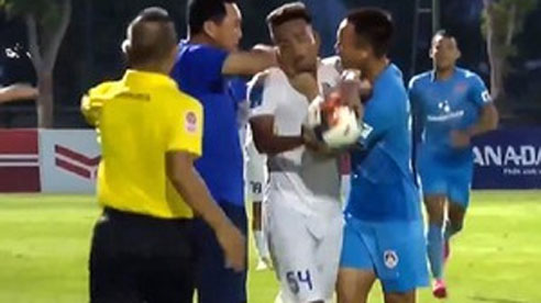Thể thao nổi bật 8/7: HLV Hiền Vinh xin lỗi vì bóp cổ học trò; Cầu thủ mắc Covid vào sân lây cho 20 người