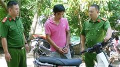 Vây bắt đối tượng nhiễm HIV, 3 cảnh sát bị thương phải xử lý chống phơi nhiễm