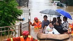 Cận cảnh nhiều vùng ở Trung Quốc chìm trong biển nước