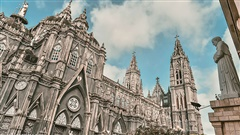 Cận cảnh nhà thờ đang hot nhất ở Nam Định được ví y như trên phim Harry Potter và tới khi đến xem trực tiếp thì 'nó đẹp thật trời ạ!'
