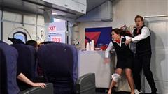 Cách thoát hiểm khi máy bay gặp nạn