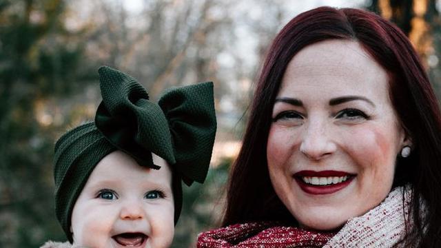 Chuyện lạ bà mẹ 1 con Mỹ có bầu sữa không ngừng chảy phải đăng lên Facebook tìm người cho