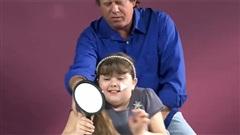 Siêu bố: Hãy để bố tung chiêu cột tóc cho con gái