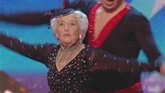 Màn trình diễn của cụ bà 80 khiến giám khảo phải xin lỗi