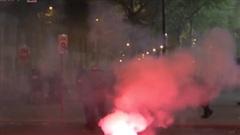 Fan PSG tràn ra đường quậy phá, đốt xe sau thất bại ở chung kết Champions League