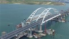 Nhìn lại quá trình xây dựng cây cầu kỳ vĩ nối liền Crimea với Nga