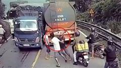 Tài xế xe tải bị đánh 'sấp mặt', vì vượt ẩu trên đèo Bảo Lộc