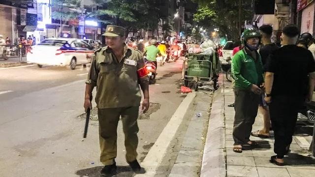 Kẻ bạo hành con gái 6 tuổi đã trốn thoát sau cuộc vây bắt ở phố Tôn Đức Thắng, Hà Nội