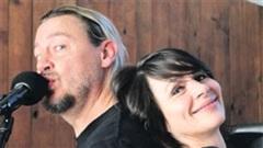 Cặp đôi yêu karaoke nhất thế giới: Hát liên tục 35 giờ không ngừng nghỉ