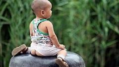 Bé gái 1 tuổi mắc bệnh lây truyền qua đường tình dục, thủ phạm là cách mặc quần mà nhiều cha mẹ mắc