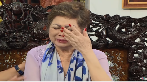 Mẹ Ngọc Sơn bật khóc: Tội nghiệp nó quá, không vợ không con, chết đi hiến xác