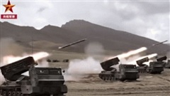 Máy bay, xe tăng Trung Quốc phóng tên lửa như vũ bão: 'Uy hiếp' Ấn Độ ngay sát biên giới!