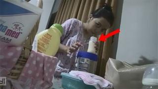 Kinh tởm người giúp việc nhổ nước bọt vào bình sữa của con chủ nhà