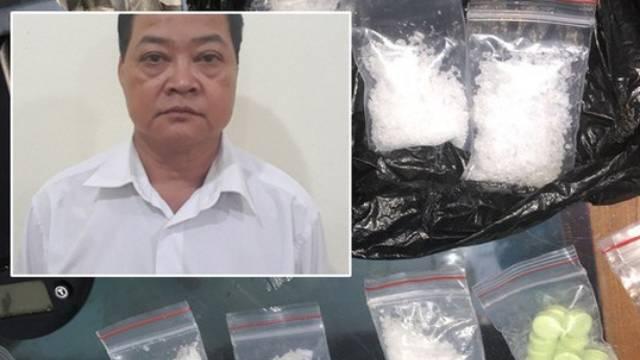 Phó hiệu trưởng cùng giáo viên hút ma túy ngay tại trường học