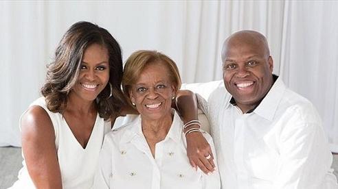 Cựu Đệ Nhất Phu nhân Obama tiết lộ anh trai bà từng bị bắt vì tội ăn trộm