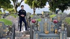 Chàng trai có sở thích tham quan nghĩa trang để 'thư giãn'