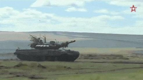 32 tiểu đoàn xe tăng Nga rầm rập áp sát biên giới NATO: T-72, T-80 sẵn sàng xung trận?
