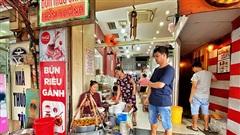 Bún Riêu Gánh - từ một gánh hàng rong sau hơn 40 năm trở thành 'độc nhất không địch thủ' tại Sài Gòn, mang tiếng là đắt nhưng cái gì cũng có giá của nó!