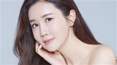 Mỹ nhân 'dao kéo' thị phi nhất Kbiz Lee Da Hae: Hiện tượng 1 thời sụp đổ vì nghi án bán dâm, tình yêu bất ngờ với ca sĩ 'mát xa đèn mờ'