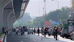 Hà Nội: Dựng lại hiện trường vụ 4 'trẻ trâu' vung gậy sắt đập vỡ xe máy sau va chạm giao thông với thai phụ