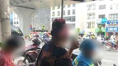 Vụ nhóm thanh niên đập phá xe sau va chạm giao thông với bà bầu: 'Còn trẻ mà chúng hung hăng quá, có người vào căn ngăn còn bị đuổi đánh'