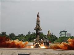 Ấn Độ phóng thử thành công tên lửa đất đối đất Prithvi-II