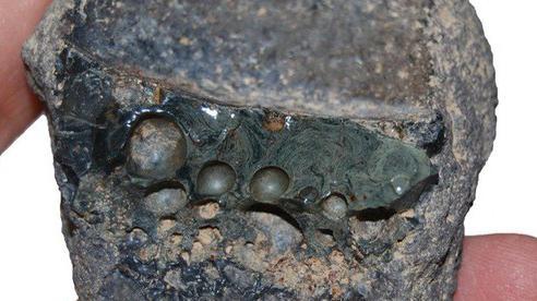 Sốc: Sản phẩm của thế kỷ 20 xuất hiện ở hầm mộ, di tích Ba Tư 1.000 năm